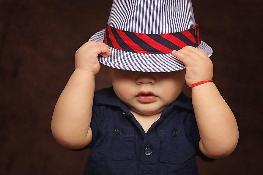 чтобы шляпа не слетела